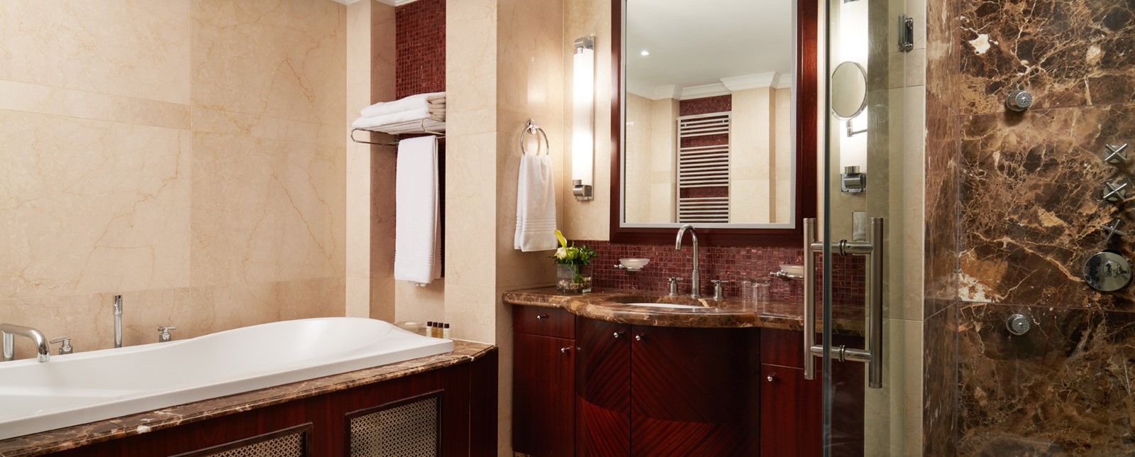 corinthia budapest signature suite bathroom